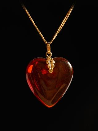 Bärnsten/eklöv i guld